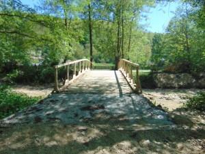 Pod auto Sat Lăunele ce traversează paraul Lăunele punct La Vlăsceanu